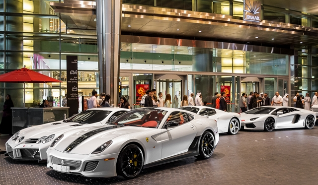 Supercars-in-Dubai-by-Gordon-Cheng